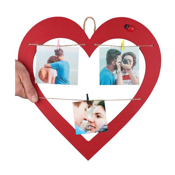 İpli Mandallı Ahşap Kırmızı Kalp Çerçeve 35x36 cm