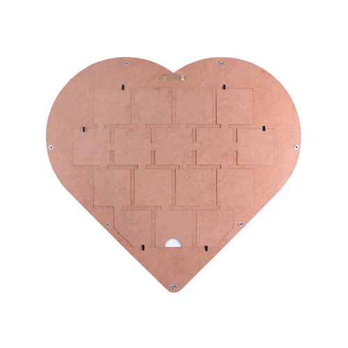 Kalp Tasarımlı Ahşap Çerçeve 46x50 Cm